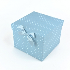 Boxes with widow of blue color with dots 4u