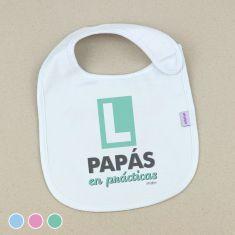 Babero Divertido PAPÁS en prácticas +3m Menta, Azul o Rosa