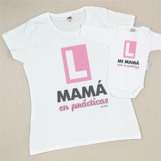 Pack Camiseta+Body Divertidos Mamá en prácticas/Mi Mamá está en prácticas Rosa