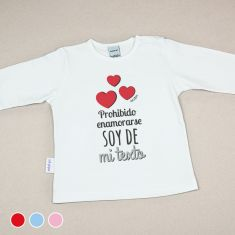 Camiseta Divertida Bebé Prohibido enamorarse, soy de mi (texto) Rojo, Azul o Rosa