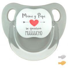 Chupete Baby Deco Gris Mami y Papi se quieren muuuucho