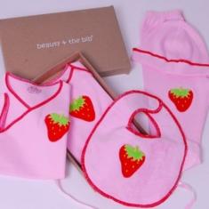 Set recién nacido Beauty & The Bib Rosa con Fresa