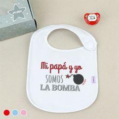 Cajita Babero + Chupete Mi Papá y yo somos la Bomba